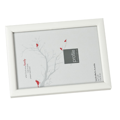 Thin White 7x5 Frame with Photo - Gift Specifications | PhotoBee Digital